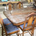 Double pedestal table w/6 chairs & 2 leaves