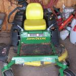2013 John Deere Z445 mower