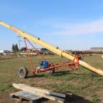 Westfield J208-36 Auger with Like New Power Fist electric Start Gas Motor